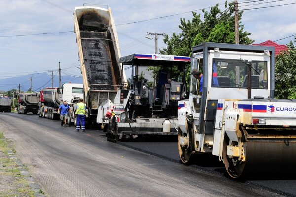 V Handlovej by mohli začať s opravami ciest už koncom tohto roka.