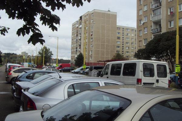 Zaparkované auto sa zlodejovi zapáčilo. Ilustračné foto.
