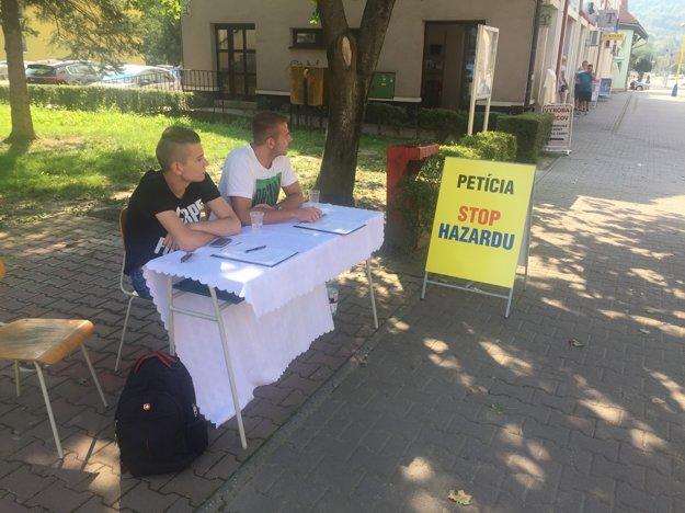 Petícia proti hazardu vo Svidníku.