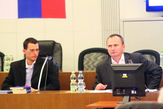 Primátor Galanty Peter Paška presunul zasadnutie o týždeň.