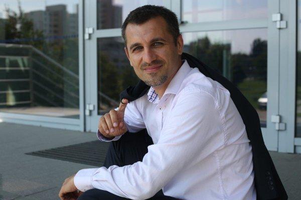 Finančný analytik Pavel ŠKRINIAR