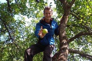 Jána Veselého fascinuje variabilita chutí stoviek odrôd jabĺk.
