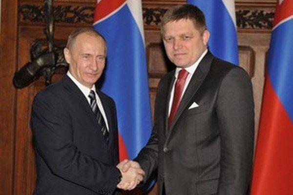 Robert Fico na návšteve Ruska v roku 2009, keď bol Vladimir Putin načas premiérom.