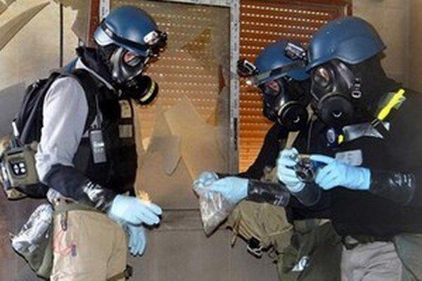 Chemickí inšpektori v Sýrii.