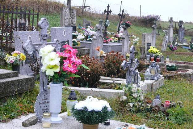 Starý cintorín v Mlákach.