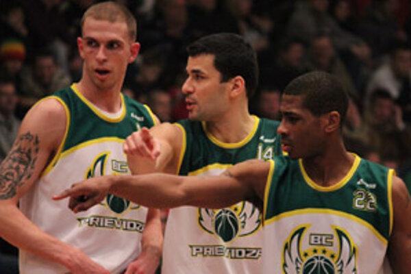 Trojica Prievidžanov, zľava: Szalay, Leško a Fears.