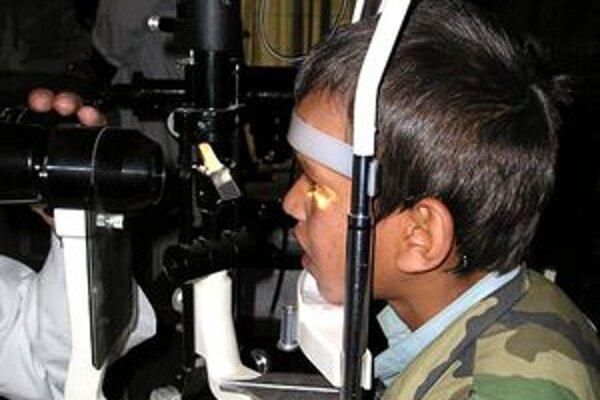 Malý pacient v kábulskej kliniku Nur.