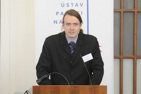 Komunistická strana bola vo vleku udalostí a nemala už potenciál veci zmeniť, hovorí historik Michal Macháček.