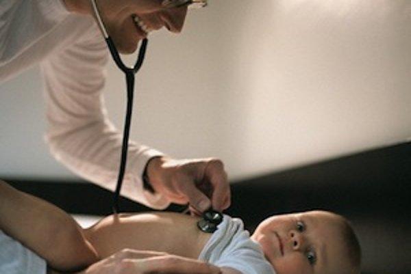 Pneumokokovými ochoreniami sú najviac ohrozené malé deti do veku päť rokov a ľudia nad 50 rokov.