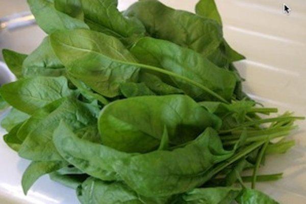 Dobrým zdrojom horčíka je napríklad špenát.