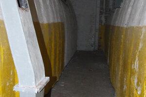 Interiér jedného z troch bunkrov.Prekvapivo zachovalý priestor.