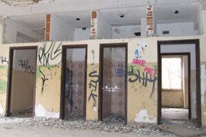 Budova bývalej kasárne zvnútra. Deň otvorených dverí.