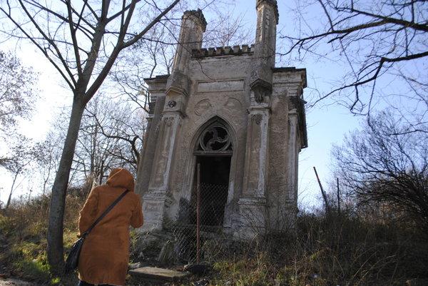 Cintorín na Žriedlovej. Bottlik ho kúpil od cirkvi apotom vymenil smestom.