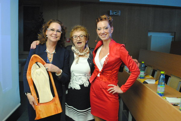 Úspešné Slovenky. Zľava: Iveta Macejková, Elvíra Chadimová, Blanka Feč Vargová