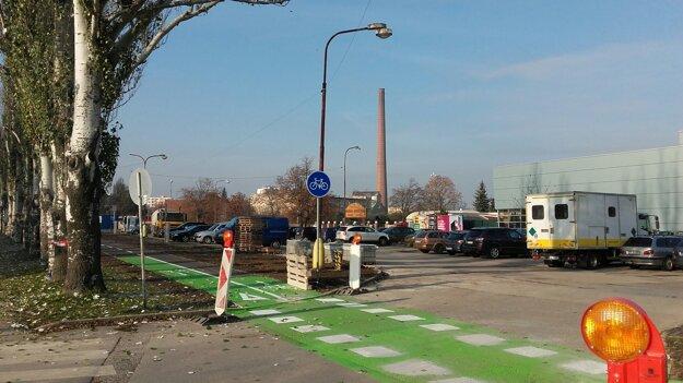 Cyklochodník na Rybníkovej.
