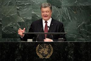 Popularita ukrajinského prezidenta Petra Porošenka padá.
