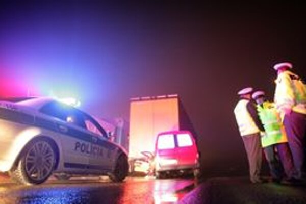 V zime pribúda dopravných nehôd, policajti budú v strehu.