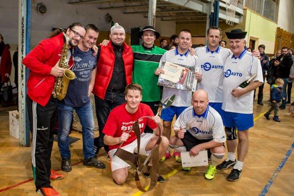 Starišan. Víťaz turnaja aj s trofejou - Cipiskovou ostrohou.