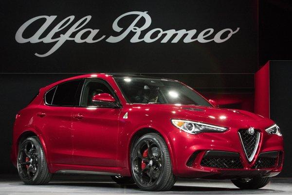 Športovo-úžitková Alfa Romeo Stelvio. Vôbec prvý SUV model talianskej automobilky mal svetovú premiéru v kalifornskom Los Angeles.