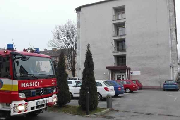 Polícia v Prešove. Preverujú tu podozrivú obálku.