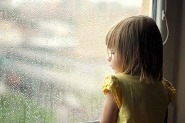 Deti zostali bez rodičov a aj bez pomoci úradov.