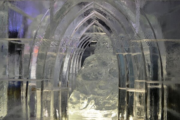 Tvorcovia ľadového dómu sa inšpirovali gotikou.