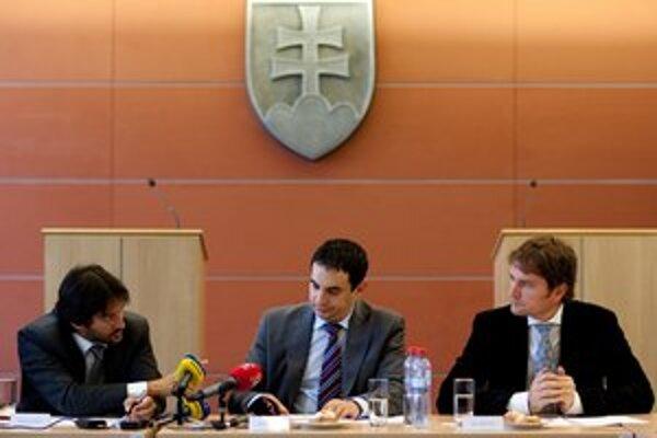Robert Kaliňák, Peter Pollák a Igor Matovič na prvej zo série tlačoviek o reforme. Ďalšie sa zatiaľ nekonali.