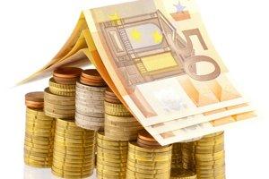 Stavebné sporiteľne ponúkajú akcie na sporenie či úverovanie bývania. Hypotéky sú však výhodnejšie.