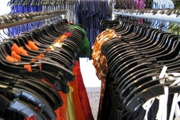 Predajne s módnym oblečením si prenajali vlani viac miesta. Predajne s veľkým tovarom, napríklad s elektrospotrebičmi, z výmery uberali.