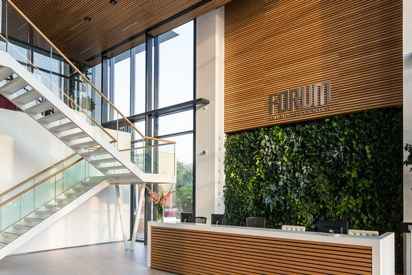 Forum Business Center.