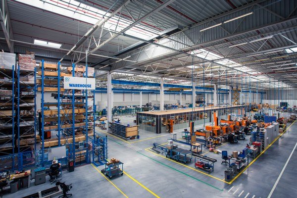Nová výrobná a distribučná budova má rozlohu 12 600 metrov štvorcových.