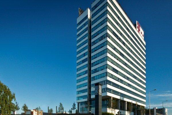 """""""Najzelenšia"""" budova na Slovensku hodnotená v systéme BREEAM – ForumBusiness center s certifikátom BREEAM Excellent."""