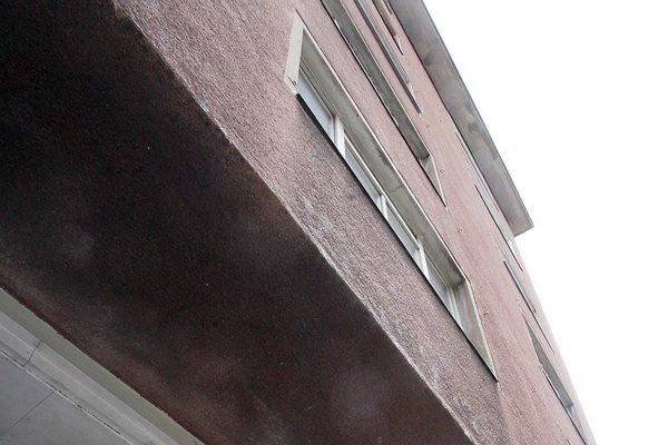 Hlavnému mestu sa čas na obstaranie náhradných bytov pre obyvateľov z reštituovaných domov kráti.