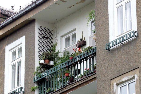 V Bratislave možnosť nájsť si dobré bývanie za primeranú cenu považuje za jednoduchú len 14 percent obyvateľov. To je najmenej spomedzi susedných krajín.