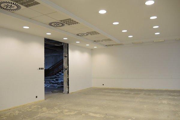 V bývalej zasadačke bude po novom archív katastrálneho úradu.
