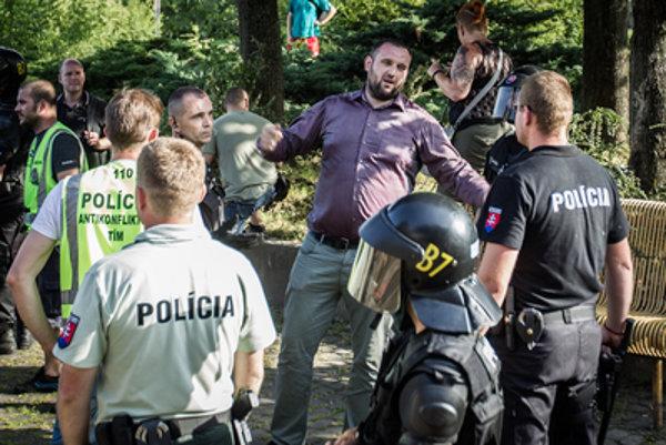 Polícia riešila výtržnosti Mariána Magáta aj na júnovom proteste extrémistov  v Bratislave.