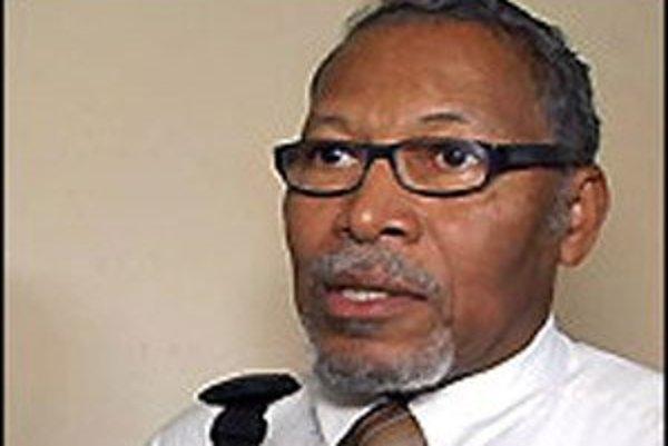 Minister Belize pre imigráciu Godwin Hulse.