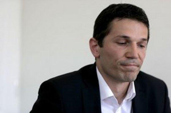 Zatiaľ neúspešný kandidát opozície Kamil Krnáč.