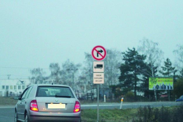 Nákladná doprava má do mesta zákaz vjazdu.