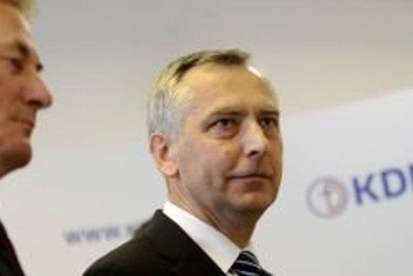 Predseda KDH Ján Figeľ a vľavo predseda poslaneckého klubu Pavol Hrušovský.