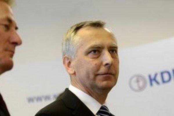 Slovenská opozícia potrebuje lepšie vzťahy, tvrdí šéf KDH Ján Figeľ.