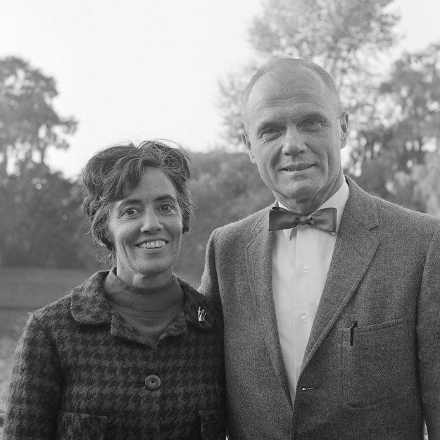 Glenn a jeho žena Anna v roku 1965.