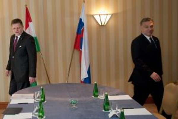 Premiér Robert Fico a premiér Maďarska Viktor Orbán počas bilaterálneho rokovania.