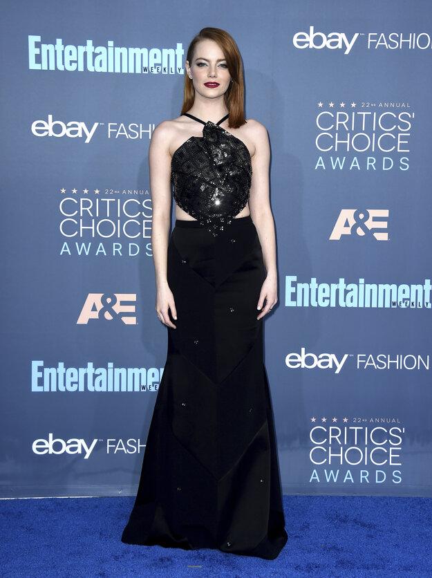 Emma Stone v róbe od návrhára Rolanda Moureta