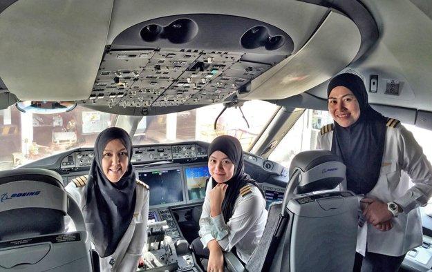 Ženská posádka lietadla Royal Brunei
