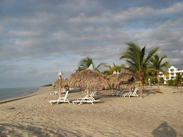 Playa Blanca je perfektná destinácia na dovolenku na pláži pobrežia Tichého oceánu.