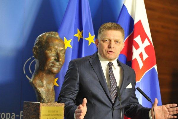Premiér Fico reční počas slávnostného odhalenia busty Alexandra Dubčeka.