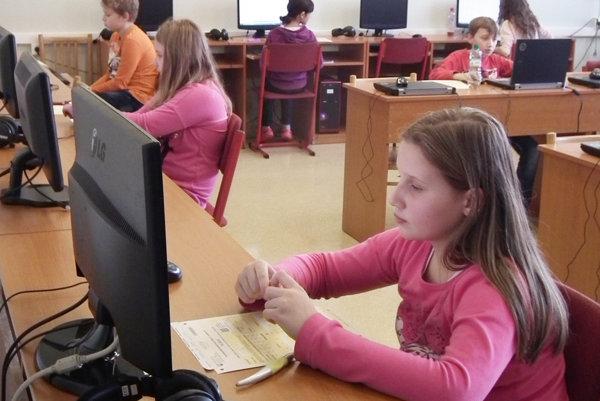 V ZŠ Pod hájom už druhýkrát využili možnosť elektronického testovania.