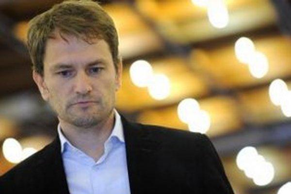 Vlastných diskutérov priznala aj strana Obyčajných ľudí a nezávislých osobností Igora Matoviča.