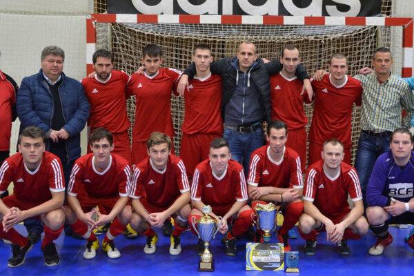 Minuloročný víťaz zo Solčian prvenstvo neobháji, pretože Solčany sa na tento ročník neprihlásili.